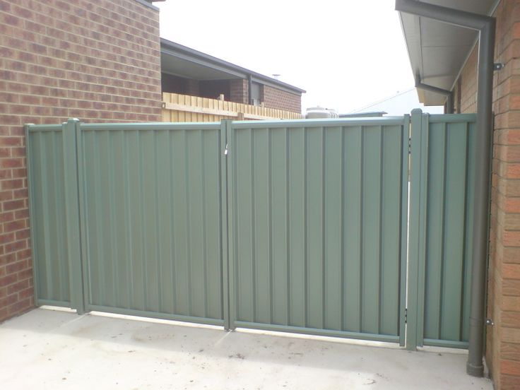 Wide Double Gate Colorbond