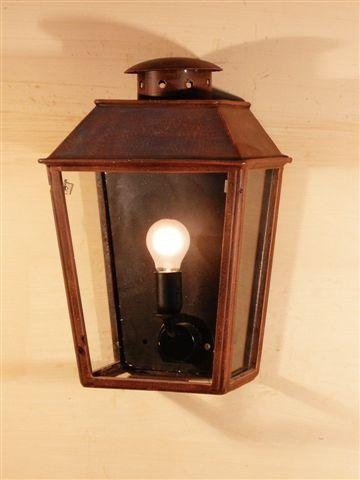 Lavignon wall mounted lantern.