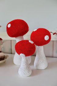 Engang imellem, bliver jeg spurgt om jeg kan hækle en bestemt opgave.   Disse svampe lovede jeg at lave til en blog venindes - veninde. ...