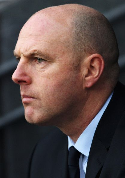 Steve Kean Photos Photos - Blackburn Rovers Manager Steve Kean looks on prior to the Barclays Premier League match between Blackburn and Stoke City at Ewood Park on December 26, 2010 in Blackburn, England. - Blackburn Rovers v Stoke City - Premier League