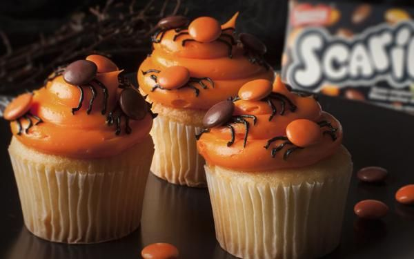 SCARIES Spider Cupcakes: Spook your Halloween party guests with these SCARIE…