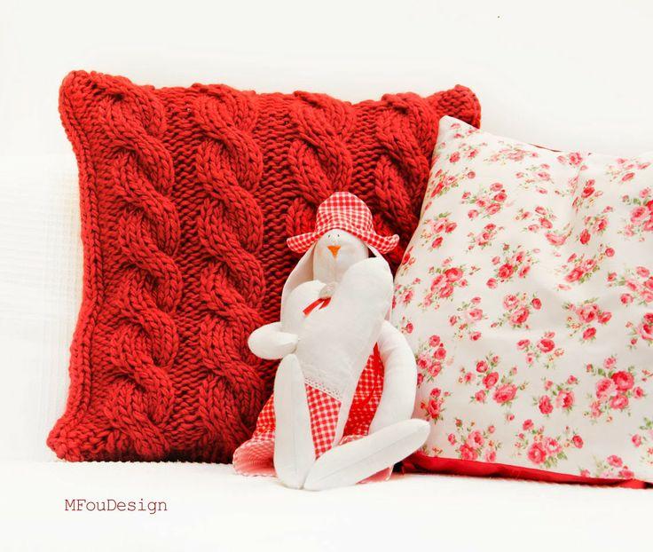 knitted pillow case / wełniana oszewka na poduszkę