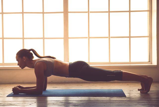 たったの1週間集中で見違える 自宅でできる 体幹トレーニング 5選