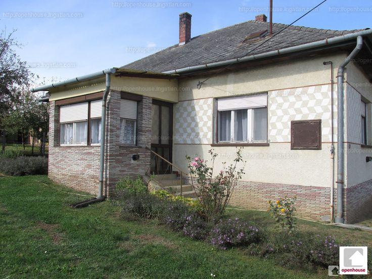 Kizárólag irodánkat bízták meg! A kaposvári Openhouse Ingatlaniroda megvételre kínál egy jó állapotú családi házat a Balatontól pár...