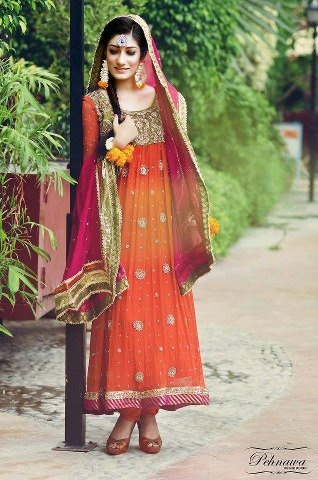 pakistani Fashion Repinned http://by:www.betandallas.com Check out more desings at: http://www.mehndiequalshenna.com/