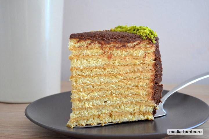 Медовый торт с кремом.