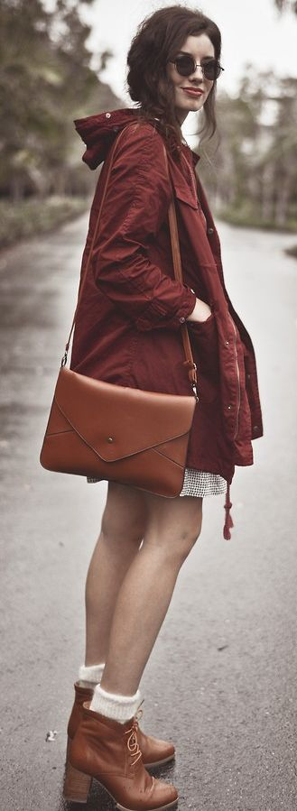 Digging the color palette of this rainy day outfit big time. Rain Coat - Fall Colors // Fashion Trends // Style