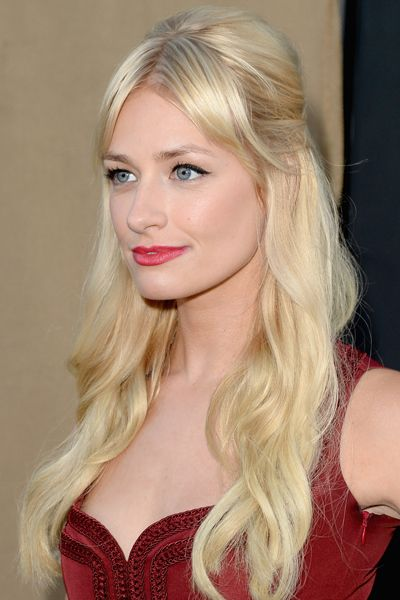 Lovely hair. Parted bangs flatter Beth Behr so much more than the Two Broke Girl's bangs.