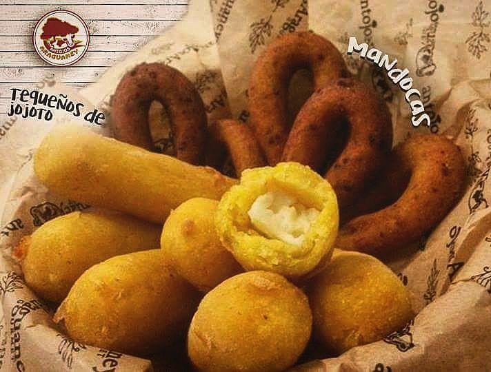 """Tequeños de jojoto y mandocas! Estas nuevas delicias que solo podras encontrar en nuestras tiendas Antojos Araguaney Gourmet y @ladespensamadrid tienes que probarlos!! #tequeños #jojoto #delicia #saborvenezolano #venezolanosenmadrid #madrid #food #foodstagram #instafoodie #antojos #mandocas #lomejor #nuevo  Antojos Araguaney Gourmet: """"C/granja del conde 2 local D3 Majadahonda"""" """"C/campo de la estrella 7 bajo 24 Las Tablas""""  La despensa: @ladespensamadrid """"C/ayala 28 puestos 37-41 Mercado de…"""