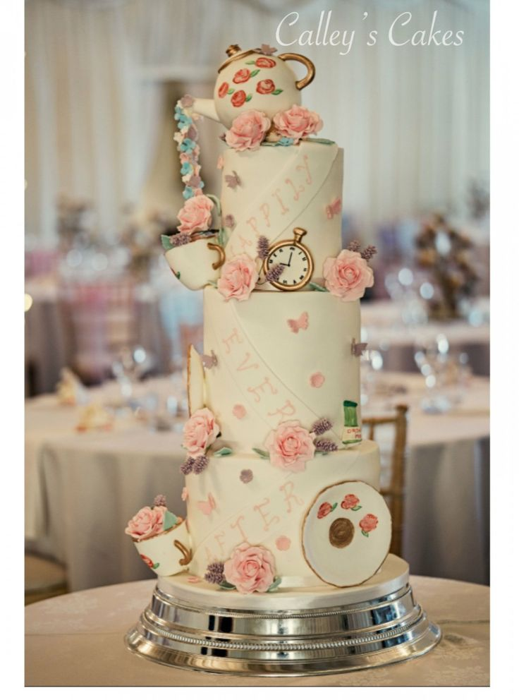 Die zehn Schritte, die nötig sind, um Wedding Cake Wonderland in die Tat umzusetzen   – Wedding Ideas and Decor