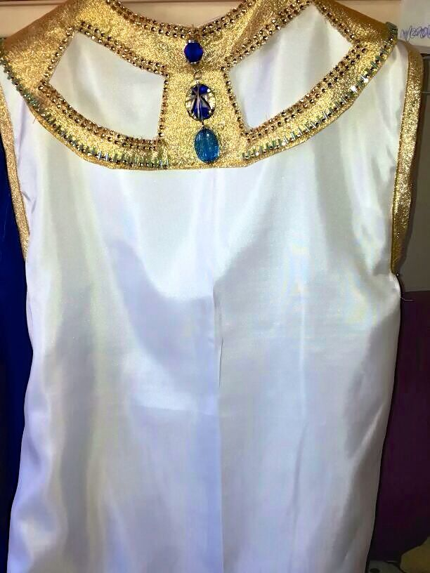 Cleopatra's dress