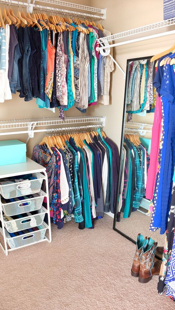 Organized Walk In Closet It Looks So Nice Even Though Has Inexpensive Wire Shelveesh Drawers Which Are Great For Folded Clothes