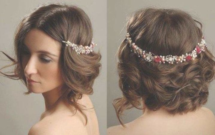 Bridal Short Hair 2019 Greek Hairstyles And For Those Who Want To Feel The Greek Goddess Of Beauty Styl Headbands For Short Hair Short Wedding Hair Greek Hair