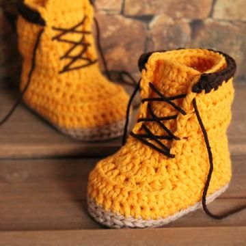 Woodsmen boots crochet pattern by Inventorium #DIY #Kids #Boots