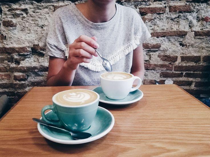 Café que sabe a café: 10 locales imprescindibles en Madrid