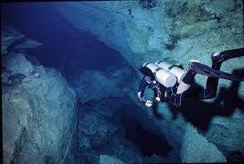 Znalezione obrazy dla zapytania nurkowanie jaskiniowe