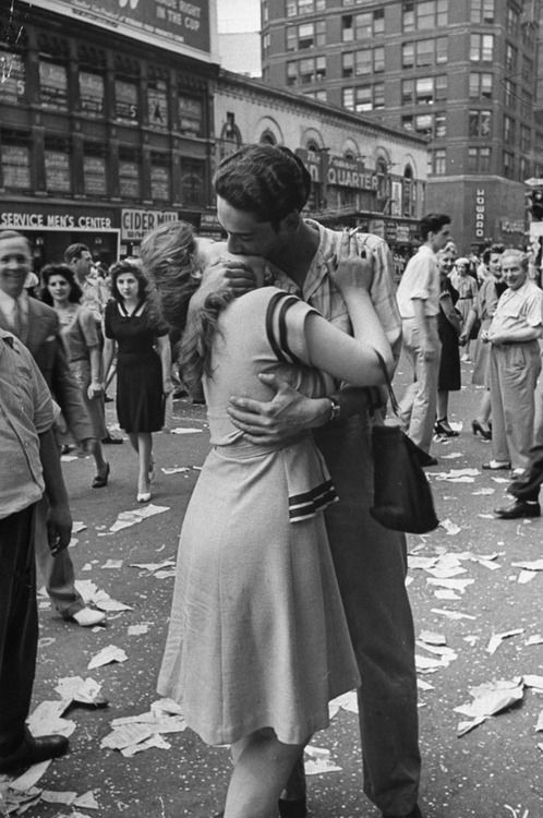 Close but no cigar: A culled shot from Times Square on VJ-Day by Alfred Eisenstaedt not originally published in LIFE Magazine (August 14, 1945). Another frame with sailor and a nurse became the iconic favorite, probably because of the subtleties of their more dramatic pose and their service garb.