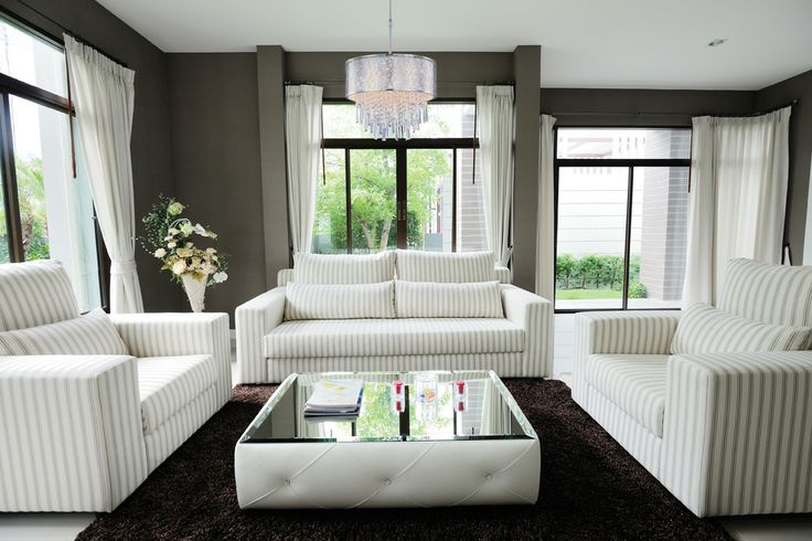 #Salon de style #transitionnel avec #supendu. / #Transitional #livingroom with #pendant.