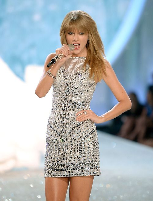 Taylor Swift's sequin dress!