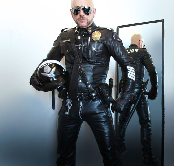uniform leather master gay