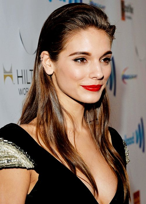 caitlin stasey image