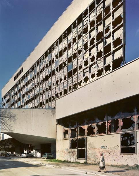 Andrew moore bosnia - Transformar contenedor maritimo vivienda ...