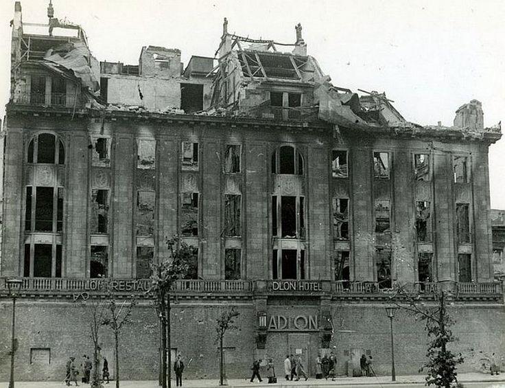 Berlin, Adlon Hotel, 1946.                                                                                                                                                                                 Mehr