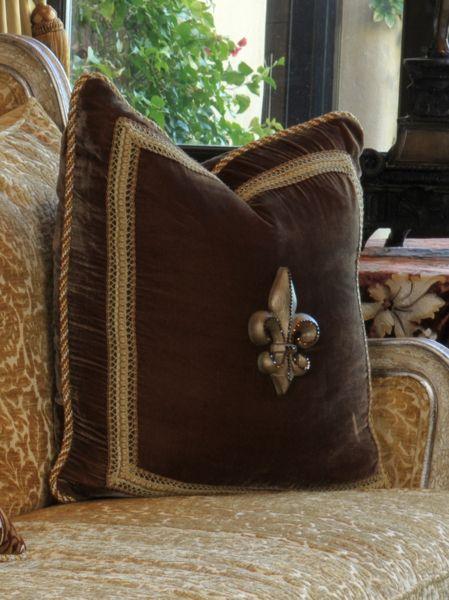 Rebecca Justice Collection~gorgeous Fleur de Lis symbol on the decorative pillow!!!!