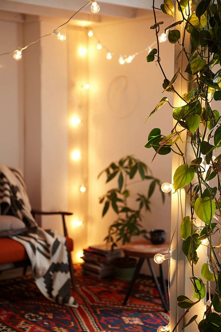 White Cord Globe String Lights - Urban Outfitters