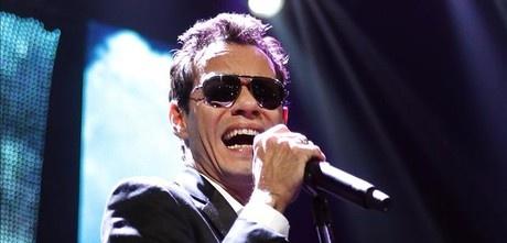 Marc Anthony sale con la heredera del imperio de moda TopShop