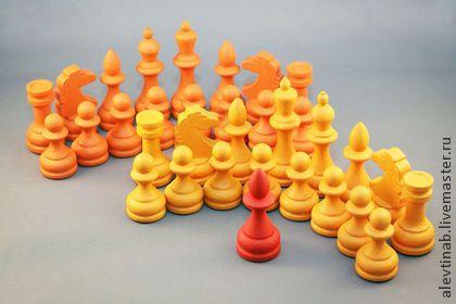шахматные фигуры Солнце в зените - оранжевый,шахматные фигуры,яркие шахматы