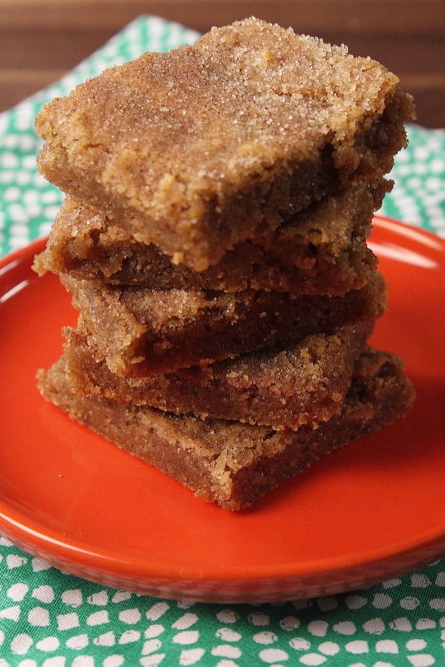 Snickerdoodle Blondies Are Impossible To Stop Eating