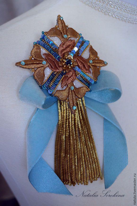 Купить Королевская брошь-орден с голубой подвязкой и антикварной кистью. - золотой, золото, орден, брошьорден