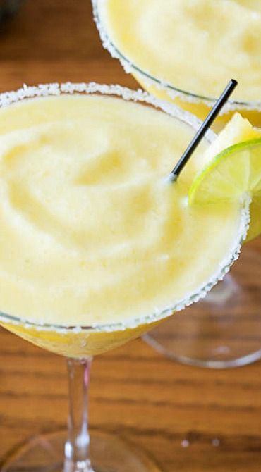 Frozen Pineapple Margarita Recipe ~ It's tropical and fruity, sweet and tangy