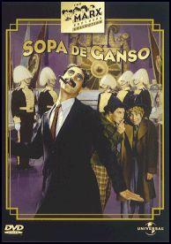 DVD CINE 1701 -- Sopa de ganso (1933) EEUU. Dir.: Leo McCarey. Sinopse: a República Democrática de Libertonia, a cuxo fronte se atopa o moi liberal señor Rufus T. Firefly, vese ameazada pola ditadura de Sylvania, país de vella e recoñecida solvencia como agresor. Dous espías de prestixio, Chicolini e Pinky, serven a Sylvania, o que non impide que acaben sendo ministros do agora xa excelentisimo Firefly.