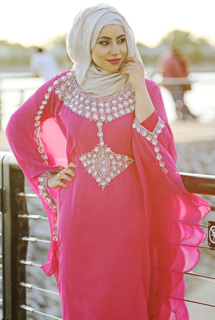 صور عبايات و قفطان عصري Kaftan 2014 #kaftan #abaya #hijab #fashion http://www.a3da.net/photos-abaya-and-modern-kaftan-2014/