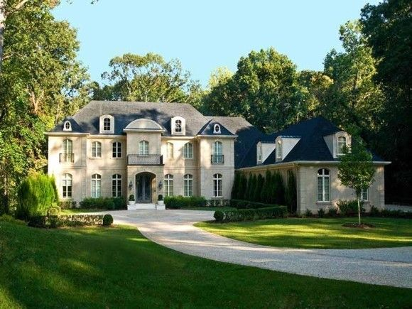 Another american dream house, fit for royalty!