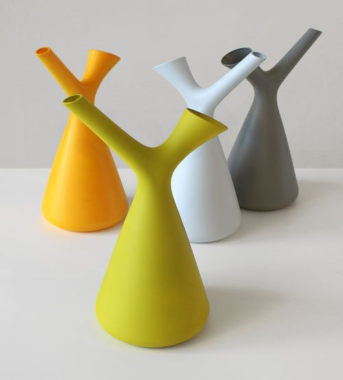 Dutch designer Robert Bronwasser has created perhaps the most happy watering can I've ever seen, or at least the best looking. Designed for the Dutch company Goods, the Spring watering can has two openings – a wide one to fill the can up with water and a narrow spout for watering your plants.