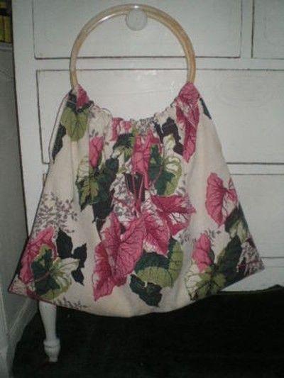 VTG BARKCLOTH PINK GREEN LEAVES KNITTING HAND BAG PURSE (05/28/2011)