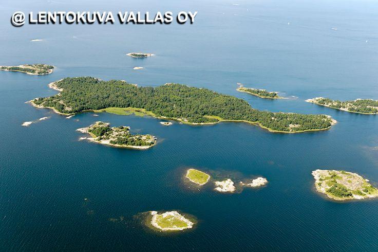 Rannikon saaristoa Ilmakuva: Lentokuva Vallas Oy