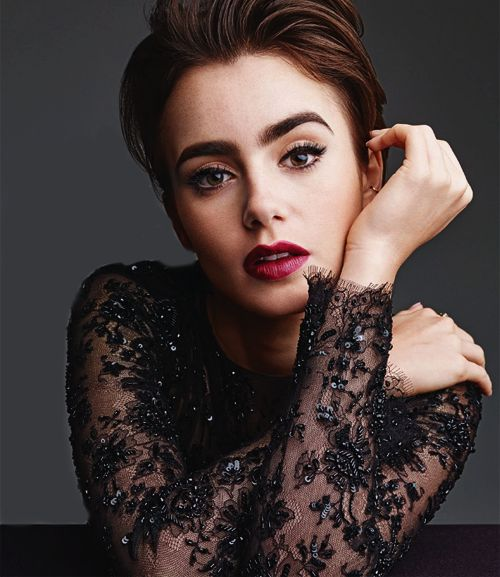 Credit to Lily Collins Brasil (X)