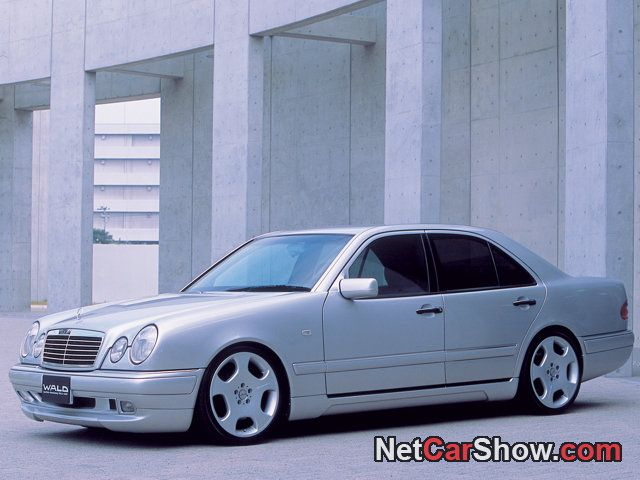 Mercedes-Benz E-Class (1999) - my most favorite kind of car ( in Punta del Este, Uruguay they used them as taxis now a days)