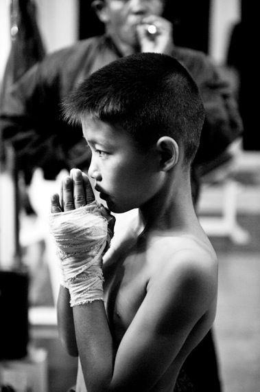 Die Kampfkinder : Sandra Hoyn(http://www.sandrahoyn.de/) - タイの幼きムエタイ選手たち
