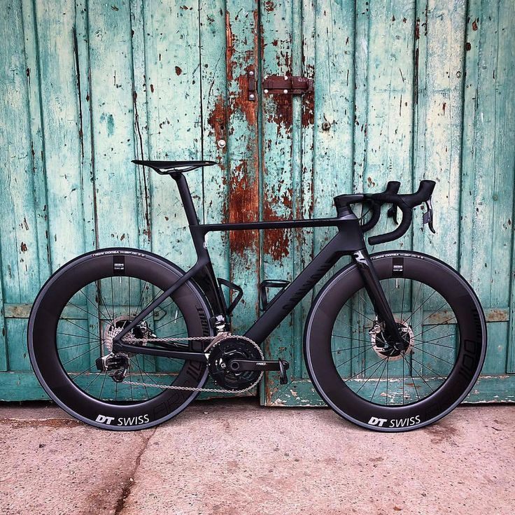 """""""Mi piace"""": 22.5 mila, commenti: 195 - Canyon Bicycles (@canyon) su Instagram: """"It's hard to go wrong with an all black look. @iamgroom"""""""