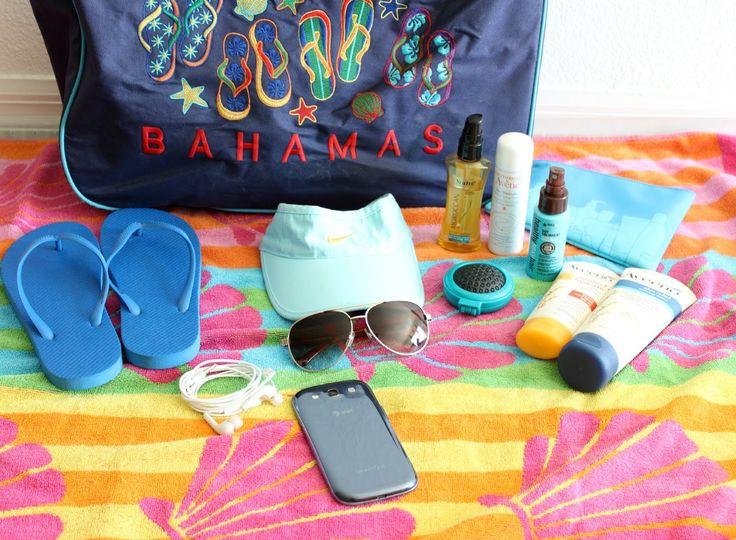 Qué llevo en mi bolso de Playa. Recomendaciones para la playa o piscina. What's in my beach bag. Recommendations for the beach or pool.