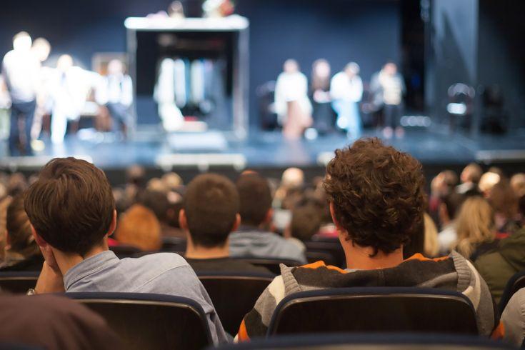 Tiyatro İzleyicisinin Anlayabileceği 7 Şey #onlineaktivite