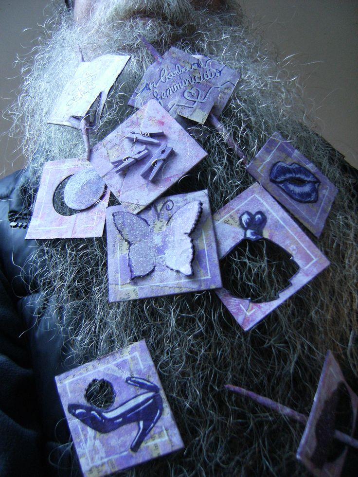 BEARD GALLERY - Opere di Mirella Buosi installate sulla mia barba (Galleria Pensile)