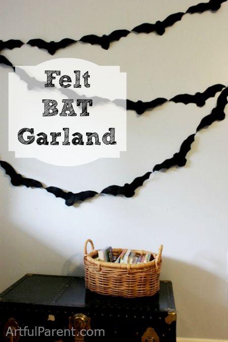 DIY - Felt Bat Garland for Halloween Decorations (Source : http://www.artfulparent.com/2011/10/a-felt-bat-garland.html) #halloween #decor #bat