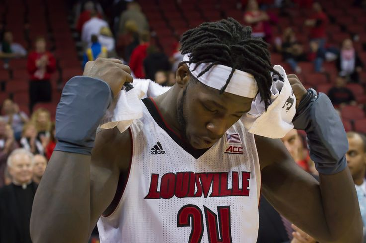 The tenth ranked University of Louisville basketball Cardinals (17-3, 5-2 ACC) kept their act on the road Wednesday night when they traveled to Chestnut Hill, MA to take on Boston College (9-10, 1-