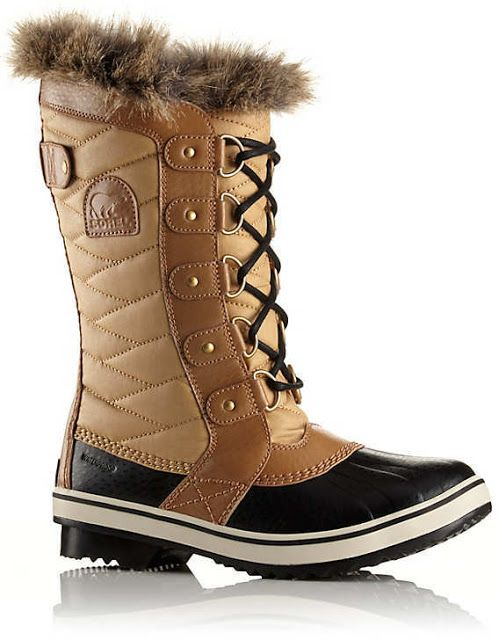 The Sorel Women's Tofino II boot features a waterproof coated canvas upper  with a faux fur